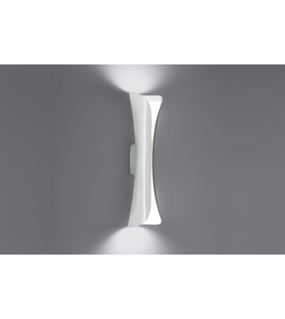 Artemide applique